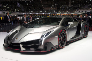 1024px-Geneva_MotorShow_2013_-_Lamborghini_Veneno_1