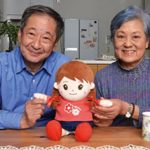 お年寄りへのプレゼントはこれ!高齢者に人気の音声認識人形「おしゃべりみーちゃん」とは?